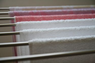 タオルが臭いのは熱湯だけで防げる!簡単でほぼ無料ですよ!?