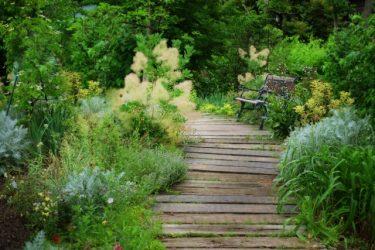 ガーデニング初心者でも庭をDIYできる!レンガ、枕木、花壇・・・